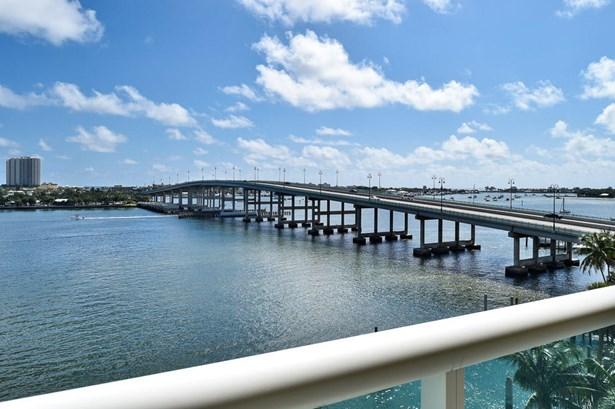 2640 Lake Shore Drive Unit 814, Riviera Beach, FL - USA (photo 3)