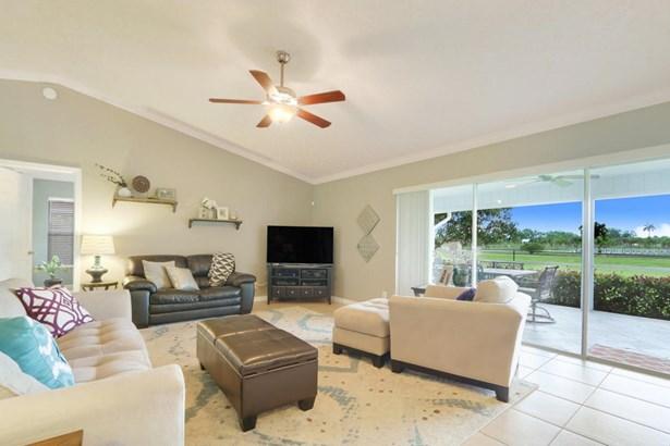 143 Sandpiper Avenue, Royal Palm Beach, FL - USA (photo 3)