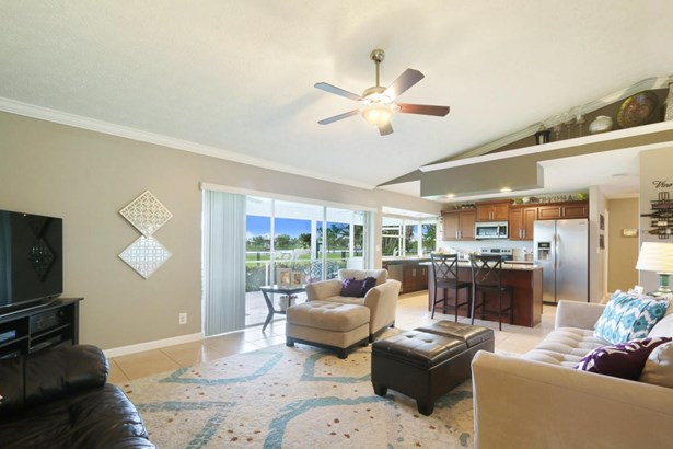 143 Sandpiper Avenue, Royal Palm Beach, FL - USA (photo 4)