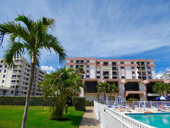 145 S Ocean Avenue Unit 420, Palm Beach Shores, FL - USA (photo 2)