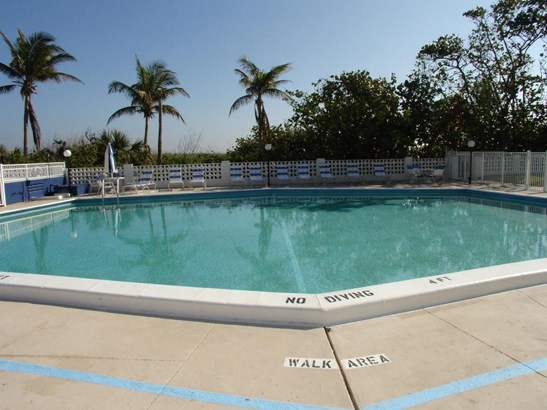 145 S Ocean Avenue Unit 420, Palm Beach Shores, FL - USA (photo 4)