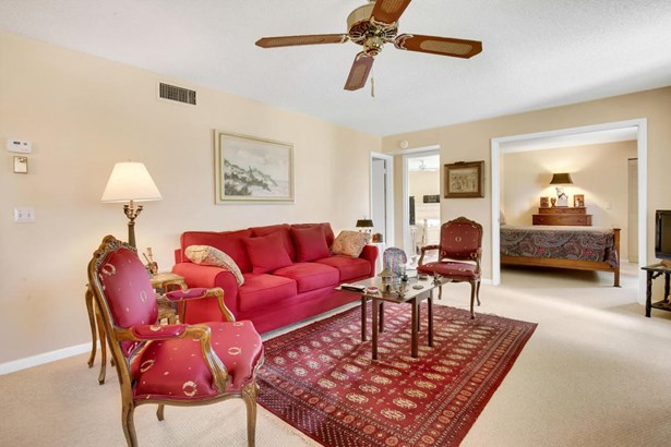306 Pine Ridge Circle Unit B-2, Greenacres, FL - USA (photo 4)