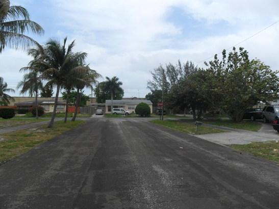 1810 Major Drive, Lake Worth, FL - USA (photo 4)