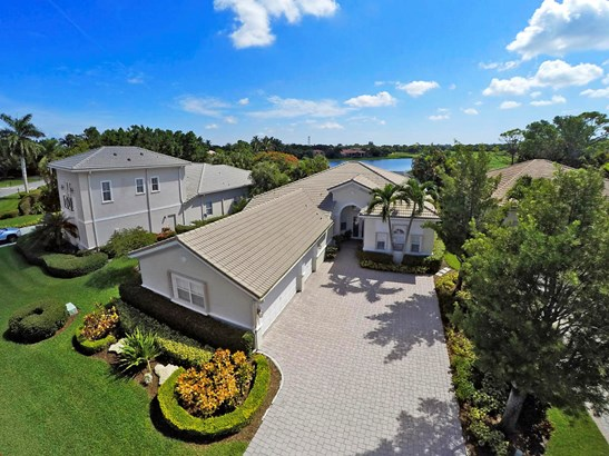 7688 Ironhorse Boulevard, West Palm Beach, FL - USA (photo 2)