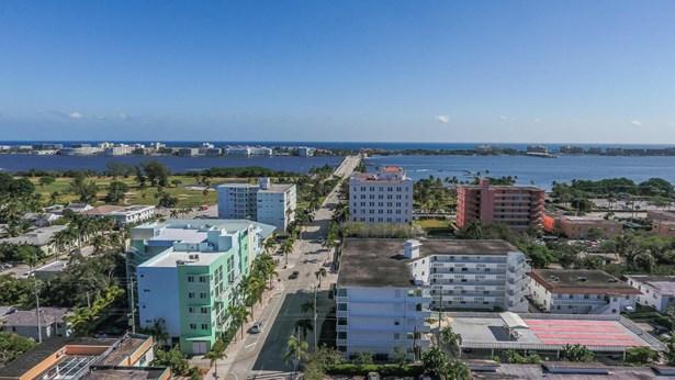 1 S Palmway Unit 301, Lake Worth, FL - USA (photo 2)