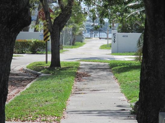 410 48th Street, West Palm Beach, FL - USA (photo 1)