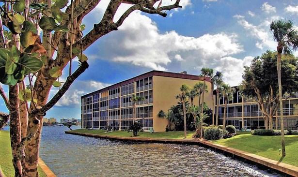 200 Waterway Drive Unit 109, Lantana, FL - USA (photo 1)