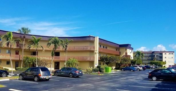 200 Waterway Drive Unit 109, Lantana, FL - USA (photo 3)