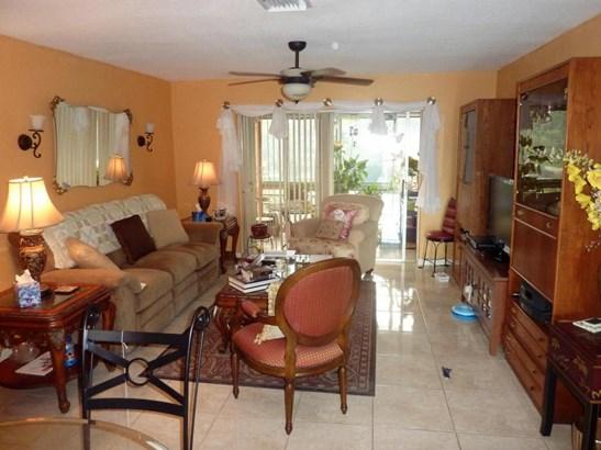12014 Greenway Circle Unit 207, Royal Palm Beach, FL - USA (photo 1)
