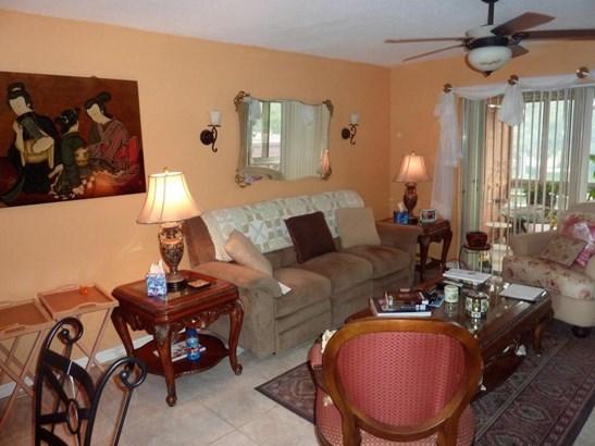 12014 Greenway Circle Unit 207, Royal Palm Beach, FL - USA (photo 3)