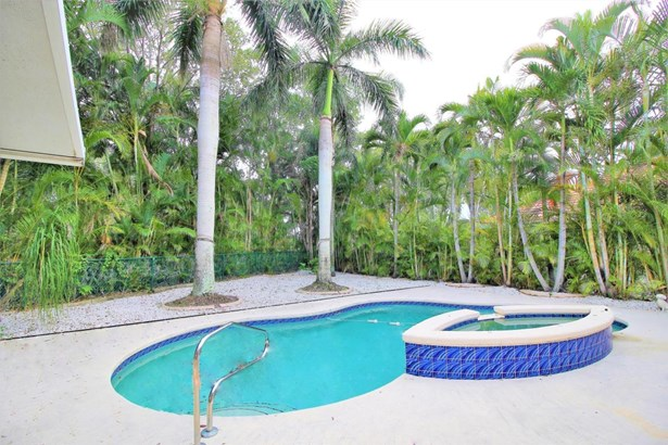 1084 Aspri Way, Riviera Beach, FL - USA (photo 3)