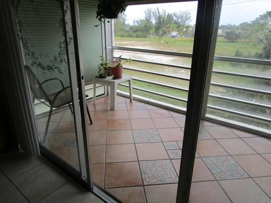 711 Lori Drive Unit 303, Palm Springs, FL - USA (photo 2)