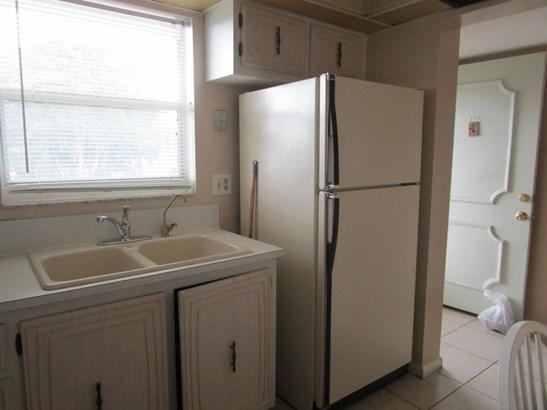 711 Lori Drive Unit 303, Palm Springs, FL - USA (photo 5)