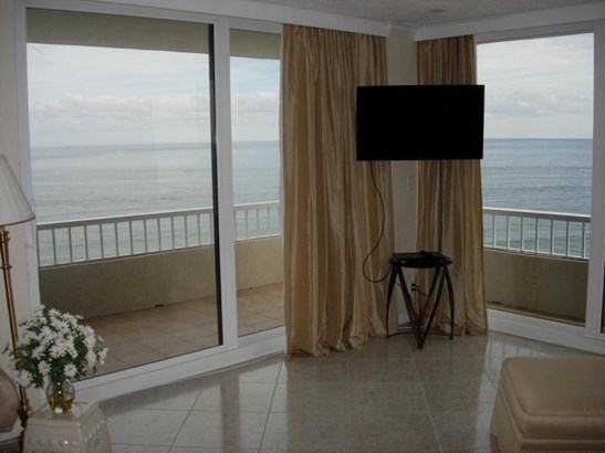 5540 N Ocean Drive Unit 14a, Riviera Beach, FL - USA (photo 5)