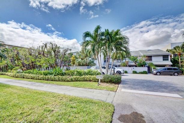 3543 S Ocean Boulevard Unit 112, South Palm Beach, FL - USA (photo 2)