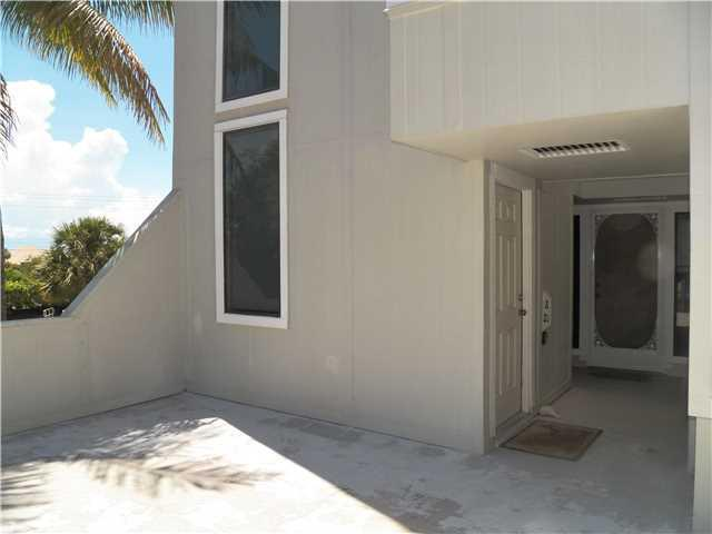 2051 Ne Ocean Blvd A21, Stuart, FL - USA (photo 2)