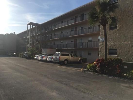 225 Bonnie Boulevard Unit 104, Palm Springs, FL - USA (photo 1)