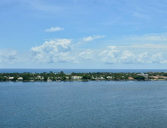 1551 N Flagler Drive Unit Uph11, West Palm Beach, FL - USA (photo 3)