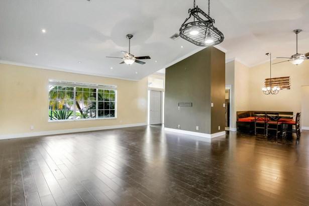 150 Queens Lane, West Palm Beach, FL - USA (photo 5)