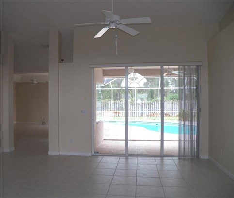 5471 Nw Thyer Circle, Port St. Lucie, FL - USA (photo 3)