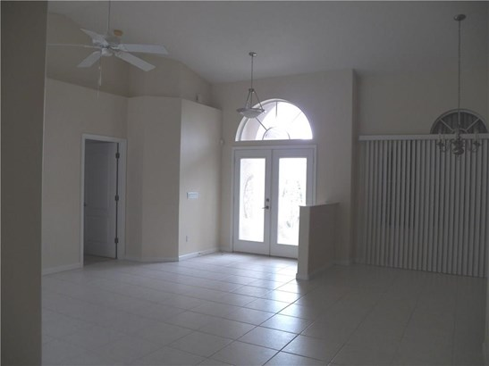 5471 Nw Thyer Circle, Port St. Lucie, FL - USA (photo 5)