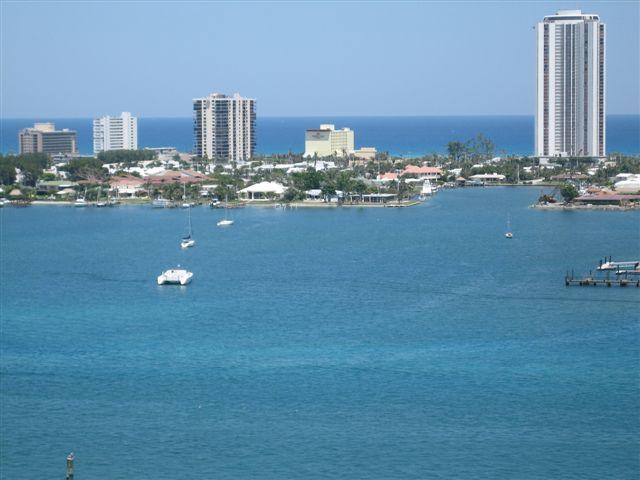 2650 Lake Shore Drive Unit 802, Riviera Beach, FL - USA (photo 4)
