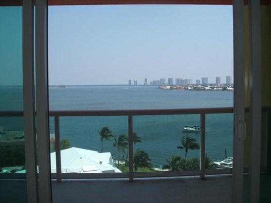 2650 Lake Shore Drive Unit 802, Riviera Beach, FL - USA (photo 5)
