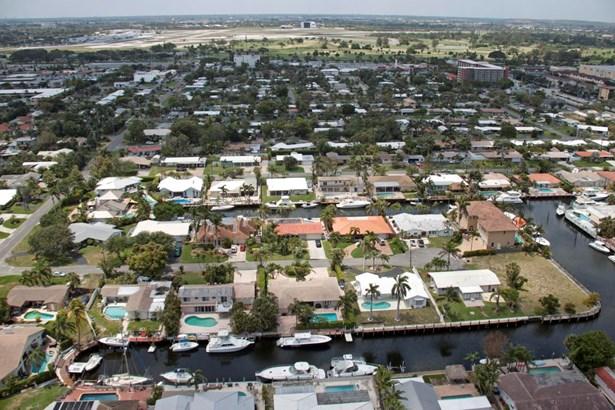 1230 Ne 27th Way, Pompano Beach, FL - USA (photo 3)