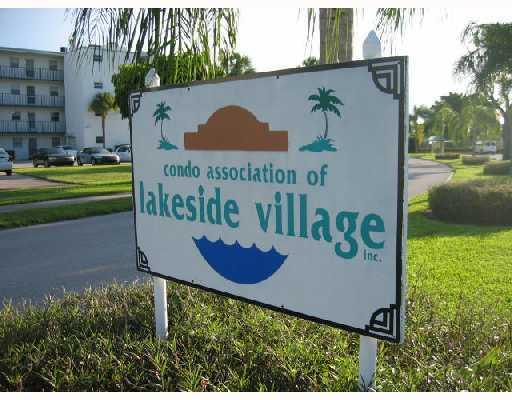 711 Lori Drive Unit 203, Palm Springs, FL - USA (photo 1)