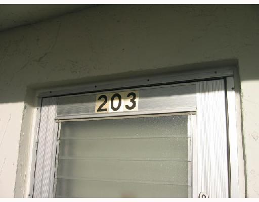 711 Lori Drive Unit 203, Palm Springs, FL - USA (photo 3)