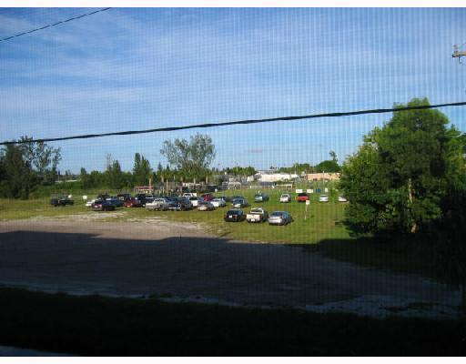 711 Lori Drive Unit 203, Palm Springs, FL - USA (photo 5)