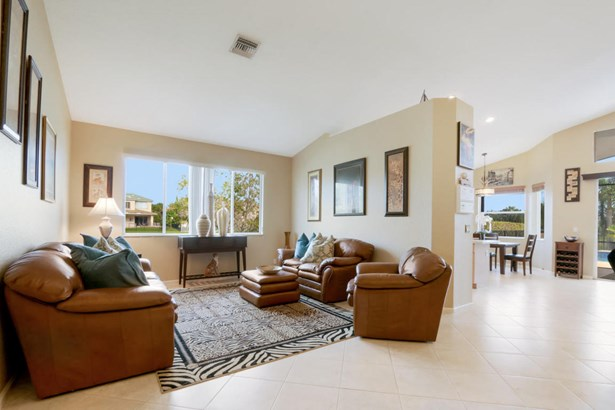 227 Bella Vista Way, Royal Palm Beach, FL - USA (photo 3)