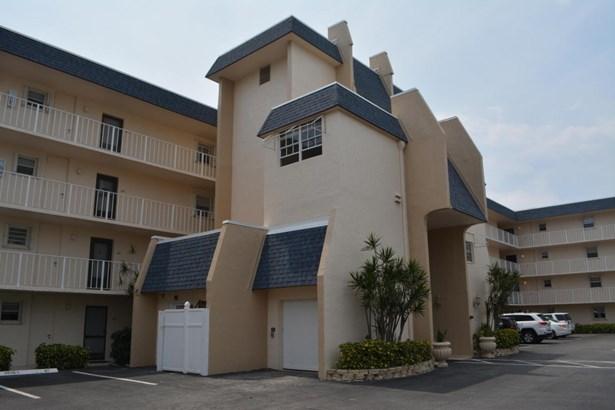 3575 S Ocean Boulevard Unit 407, South Palm Beach, FL - USA (photo 2)