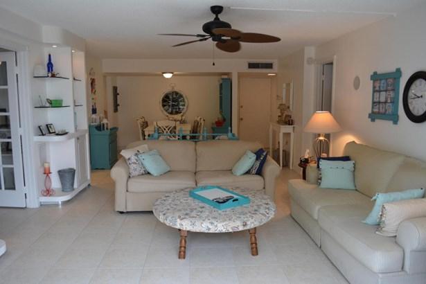 3575 S Ocean Boulevard Unit 407, South Palm Beach, FL - USA (photo 4)
