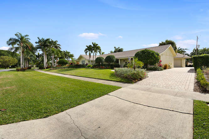812 Anchorage Drive, North Palm Beach, FL - USA (photo 2)