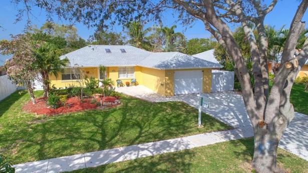 7455 Sunny Hills Terrace, Lantana, FL - USA (photo 1)