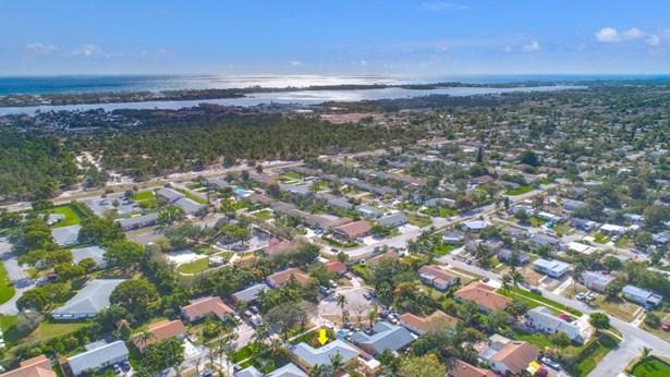 7455 Sunny Hills Terrace, Lantana, FL - USA (photo 2)