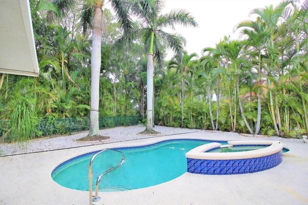 1084 Aspri Way, Riviera Beach, FL - USA (photo 4)