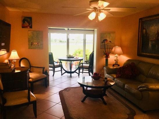 1804 W Ocean Drive Unit 105, Boynton Beach, FL - USA (photo 4)