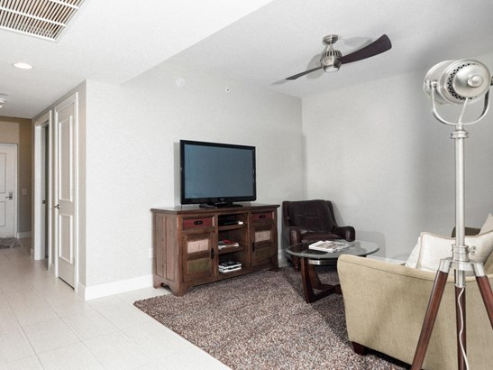 2650 Lake Shore Drive Unit 1706, Riviera Beach, FL - USA (photo 5)