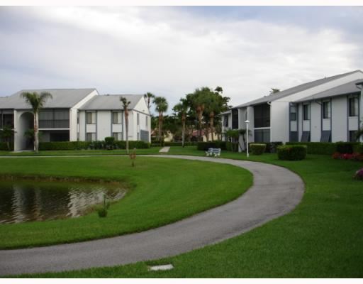 1105 Green Pine Boulevard Unit C2, West Palm Beach, FL - USA (photo 2)