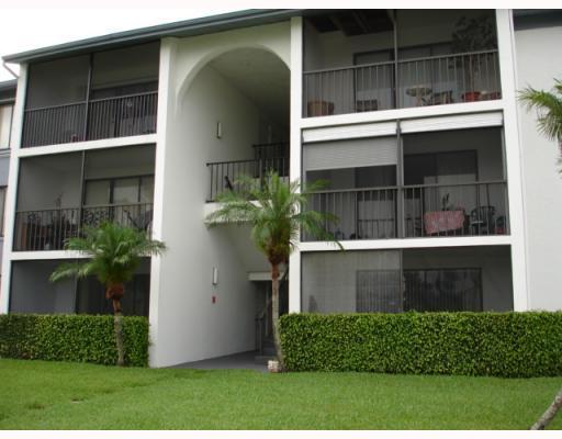 1105 Green Pine Boulevard Unit C2, West Palm Beach, FL - USA (photo 3)