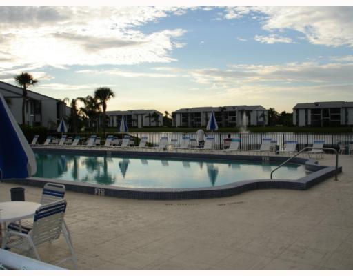 1105 Green Pine Boulevard Unit C2, West Palm Beach, FL - USA (photo 4)