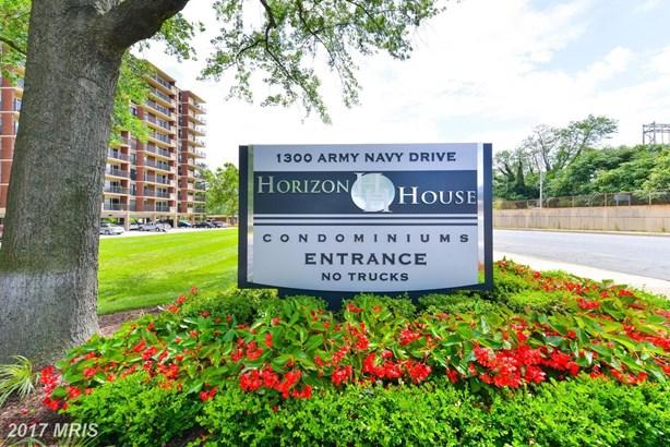 1300 Army Navy Dr 509, Arlington, VA - USA (photo 2)