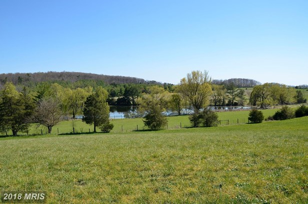 2043 Pleasant View Rd, Mount Jackson, VA - USA (photo 2)