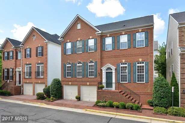 9166 Prices Cove Ln, Fort Belvoir, VA - USA (photo 1)