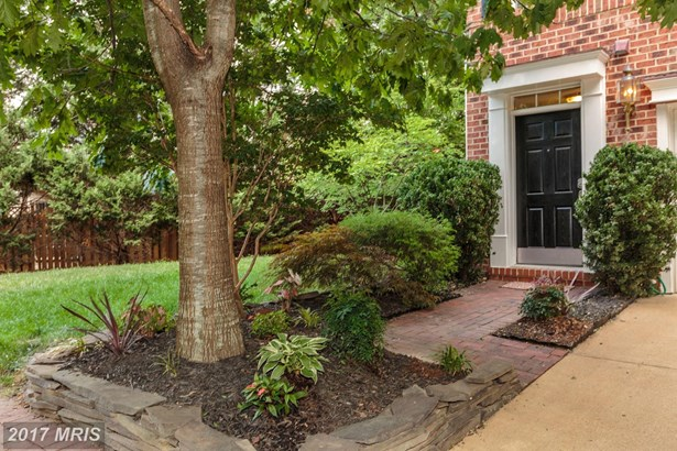 162 Barrett Pl, Alexandria, VA - USA (photo 2)