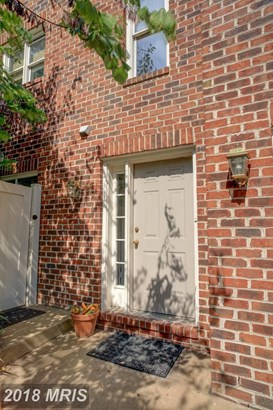 691 Glebe Rd, Alexandria, VA - USA (photo 2)