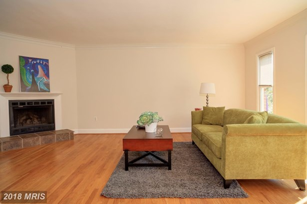 691 Glebe Rd, Alexandria, VA - USA (photo 4)