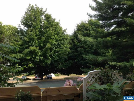 1272 Maple View Dr, Charlottesville, VA - USA (photo 3)
